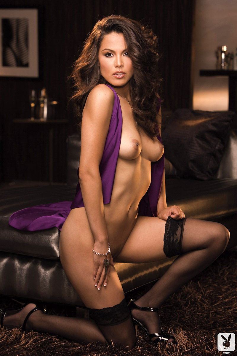 raquel-pomplun-stockings-playboy-05