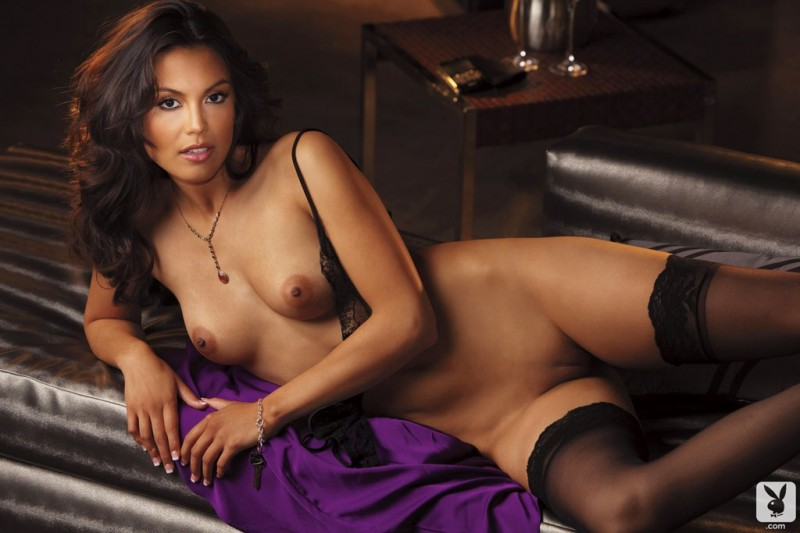 raquel-pomplun-stockings-playboy-13