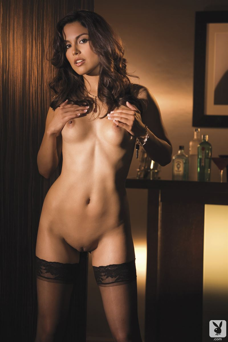 raquel-pomplun-stockings-playboy-15