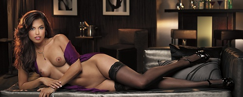Raquel Pomplun in black stockings