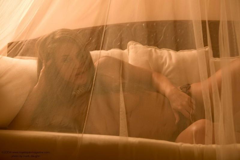 rebecca-dipietro-bedroom-mystique-magazine-06