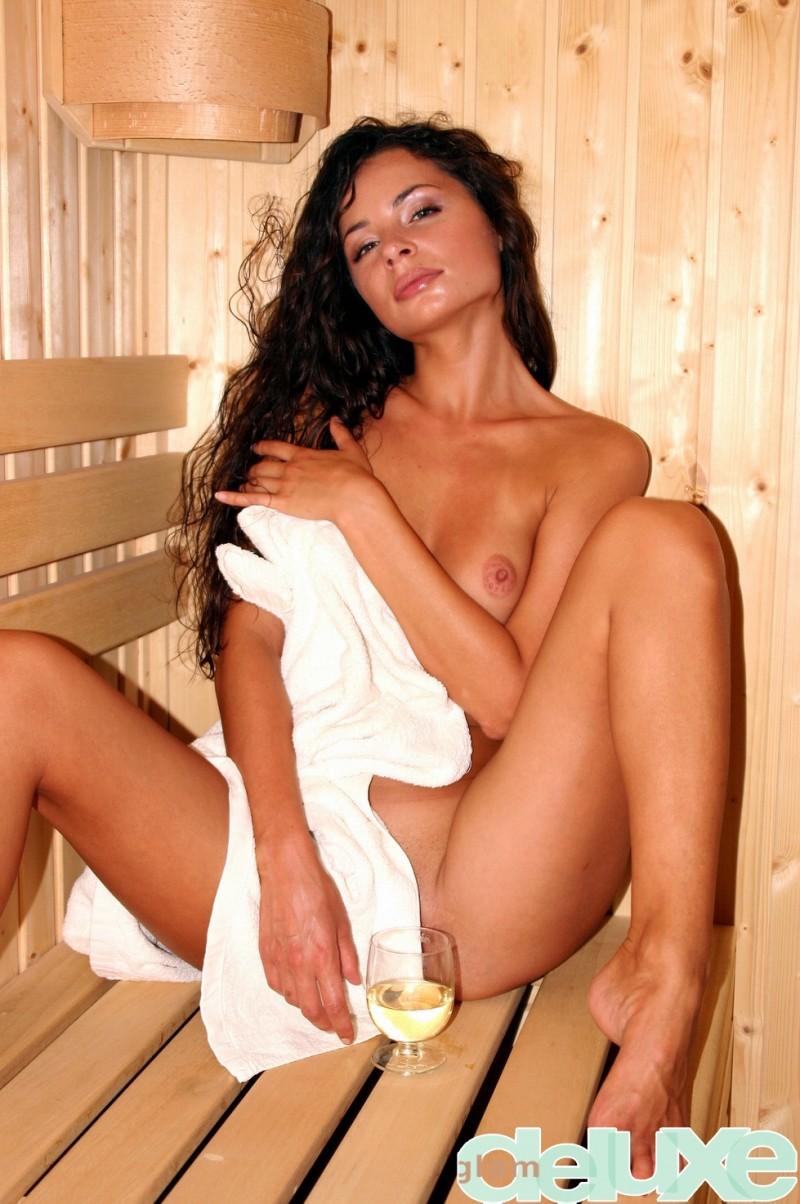 regina-sauna-glamdeluxe-03
