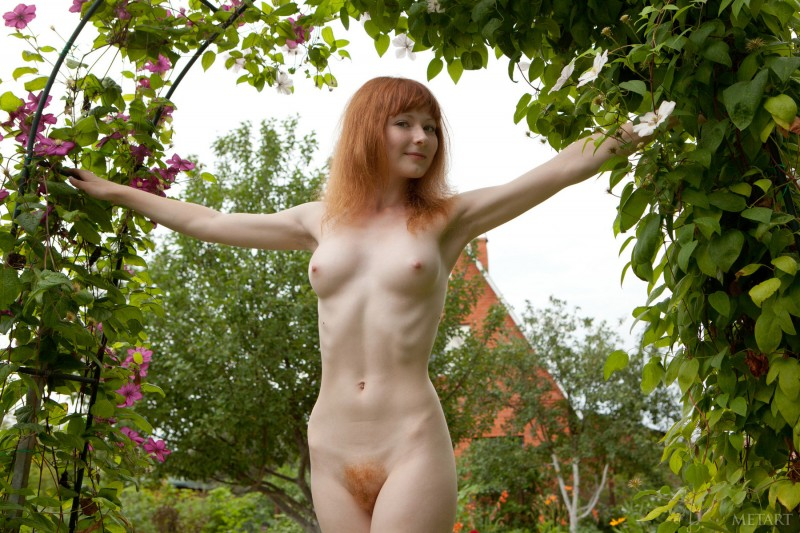 rochelle-a-garden-met-art-13