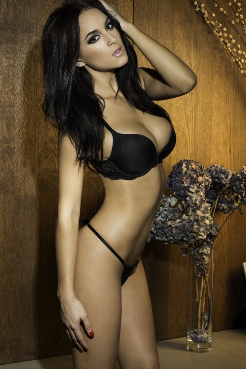rosie-jones-topless-nuts-2013-april-01