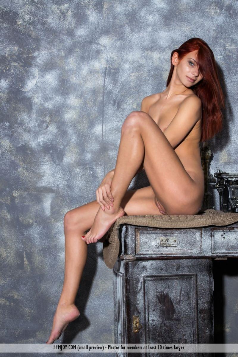 rosa-h-redhead-nude-femjoy-07