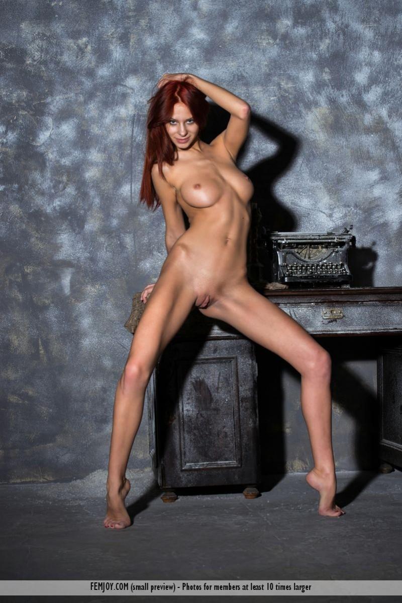 rosa-h-redhead-nude-femjoy-15