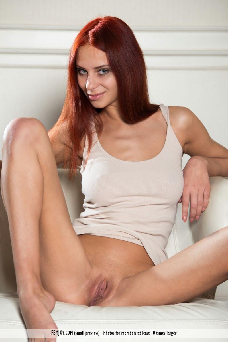 rosa-h-redhead-armchair-femjoy-02