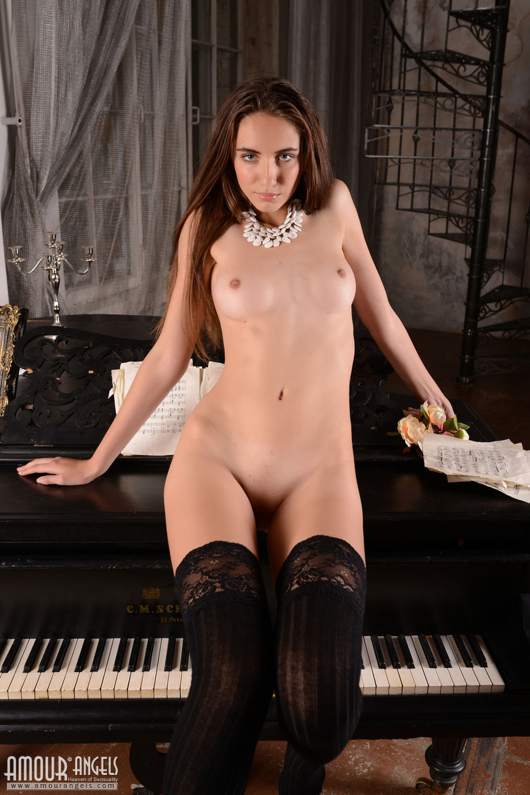sabrina-nude-piano-stockings-amour-angels-03