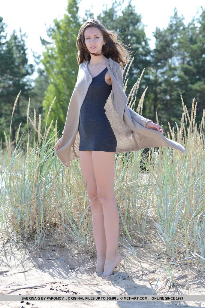 sabrina-g-dunes-skinny-naked-metart-01