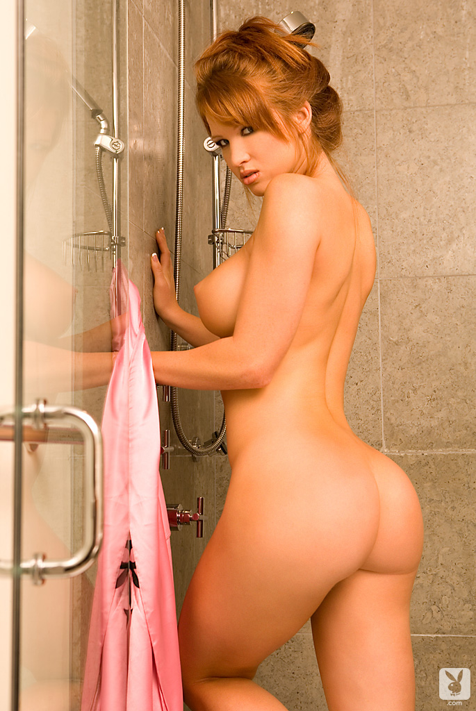 samantha-harris-shower-playboy-05