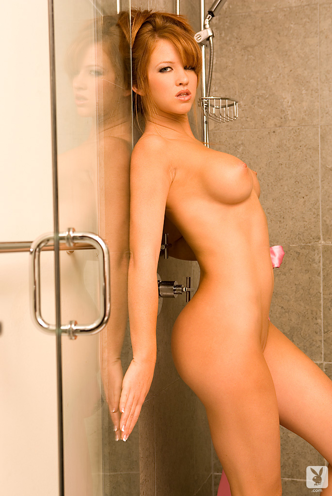 samantha-harris-shower-playboy-07