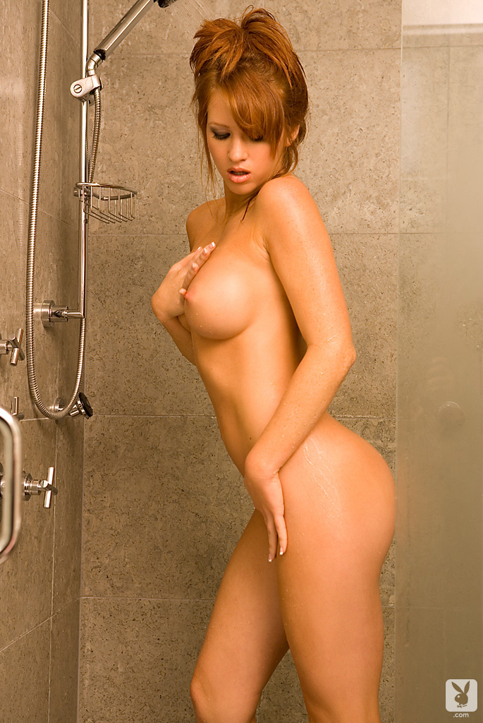samantha-harris-shower-playboy-09