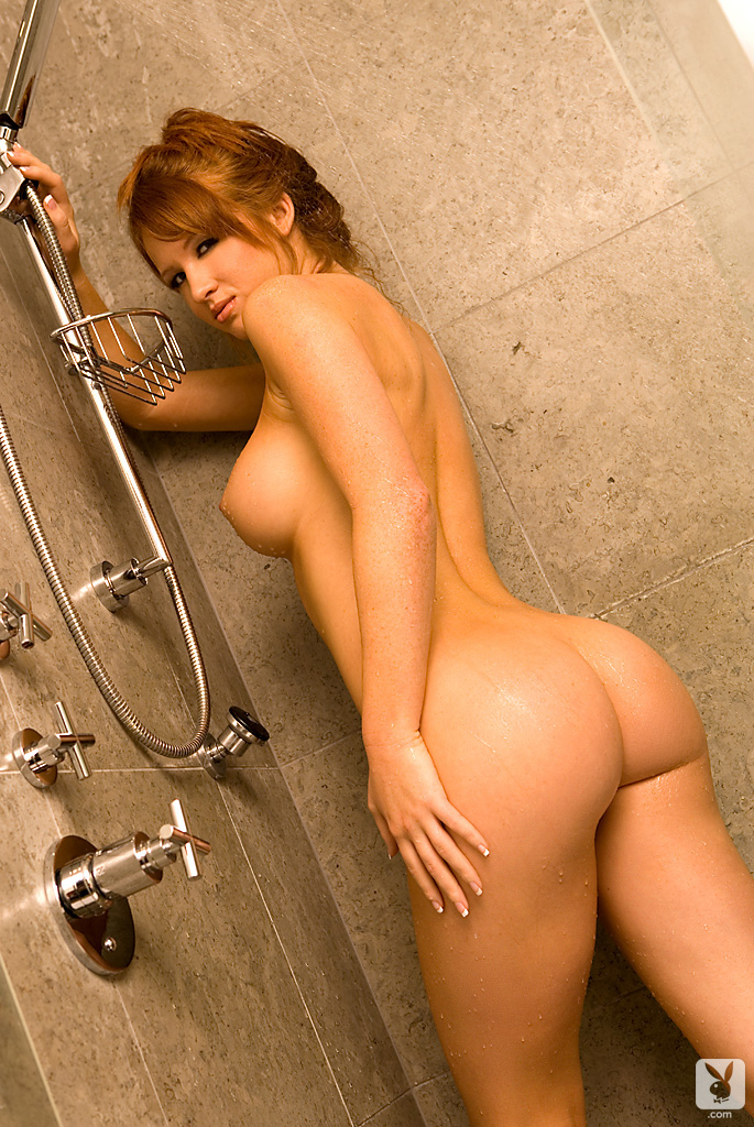 samantha-harris-shower-playboy-10
