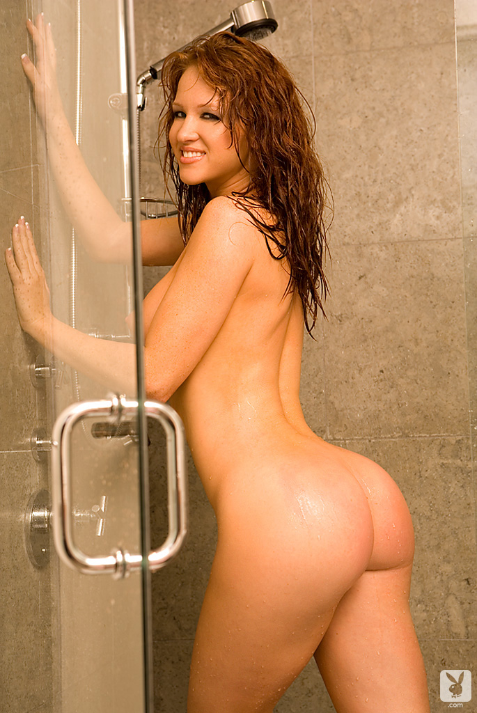 samantha-harris-shower-playboy-21