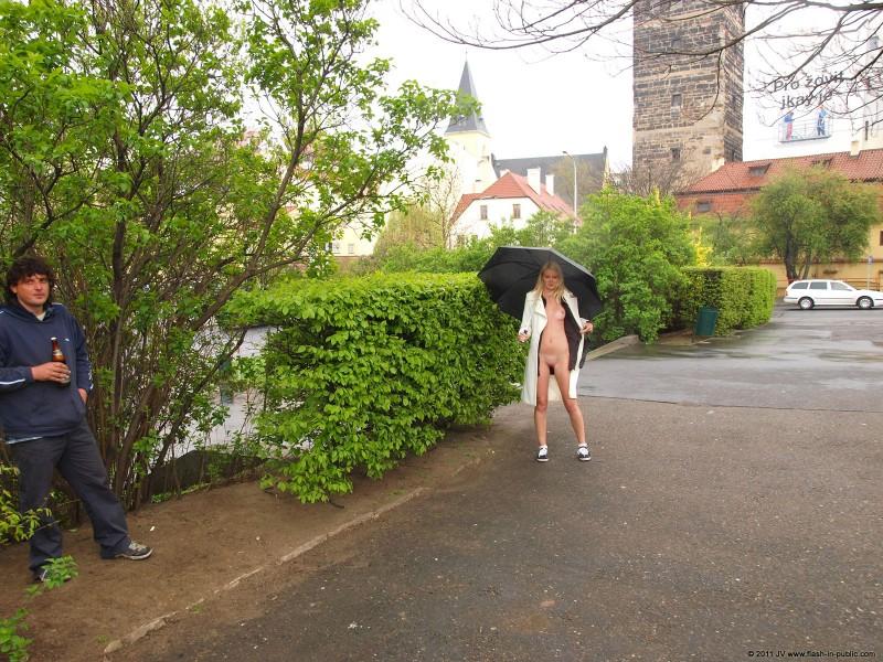 aneta-d-rain-nude-flash-in-public-03