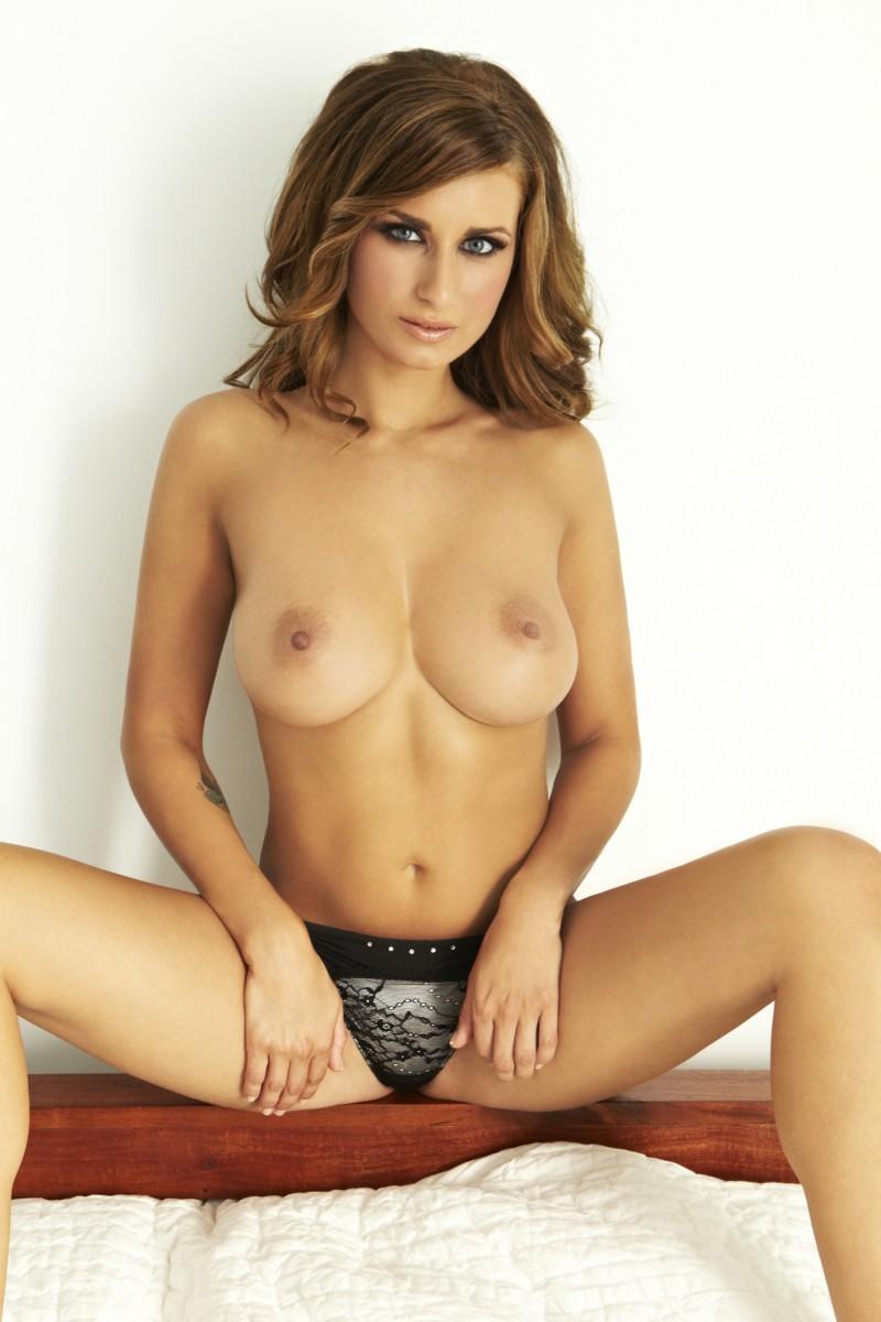 sammy-braddy-boobs-nude-bedroom-06