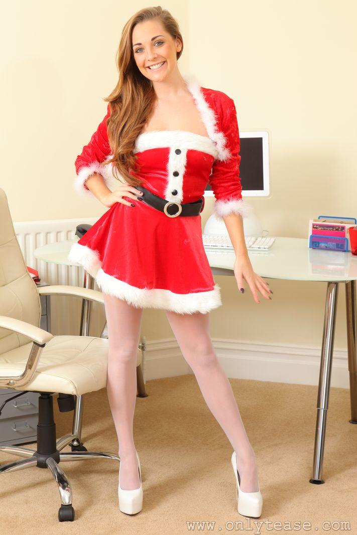 daisy-watts-santa-costium-stockings-nude-onlytease-01