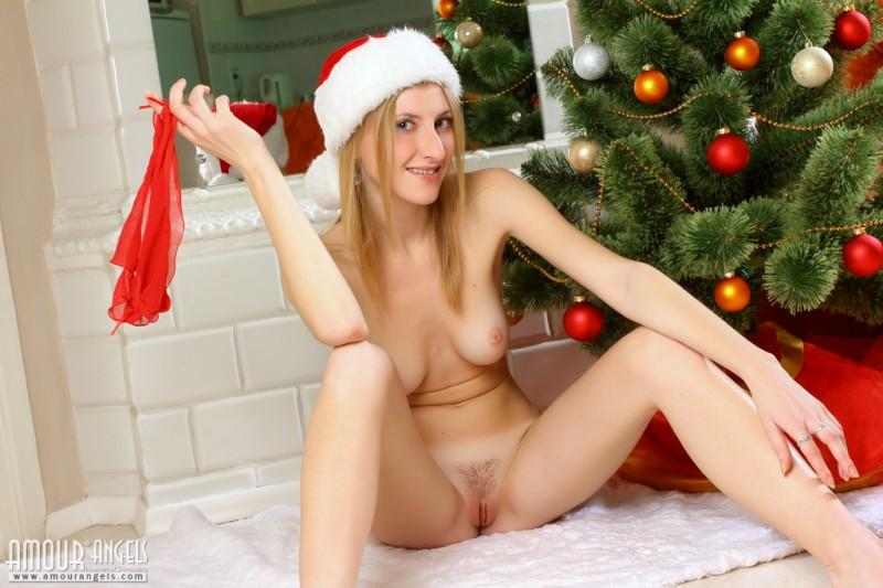 olesya-amour-angels-christmas-13