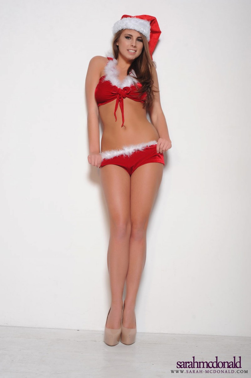 sarah-mcdonald-santa-xmas-high-heels-topless-02