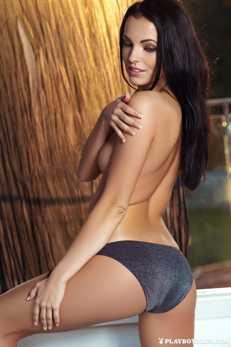 sapphira-jacuzzi-bikini-naked-playboy-09