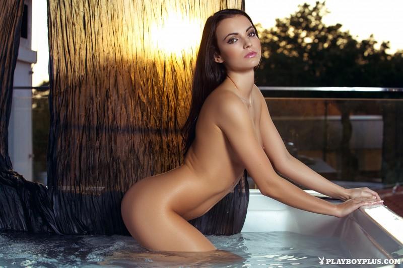 sapphira-jacuzzi-bikini-naked-playboy-15