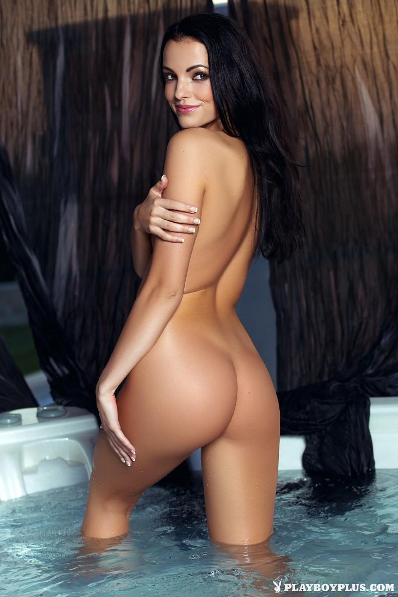 sapphira-jacuzzi-bikini-naked-playboy-18