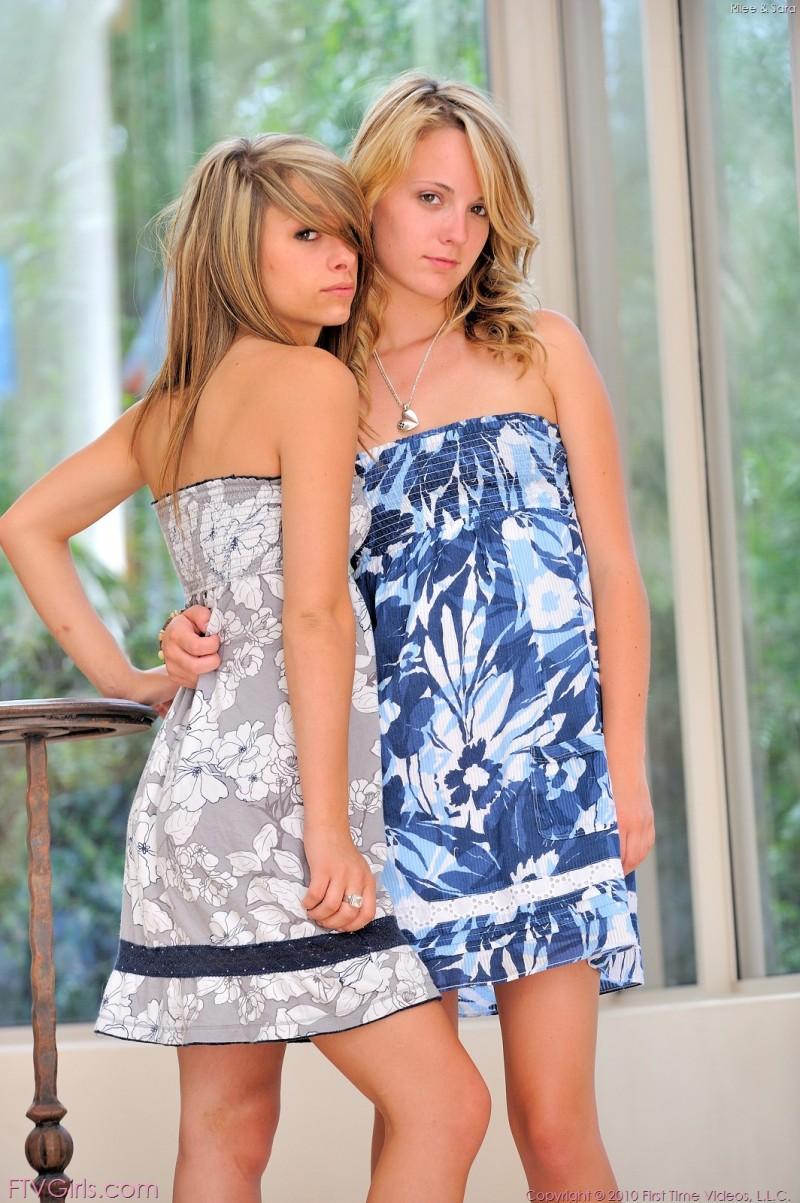 rilee-&sara-dildos-ftvgirls-02