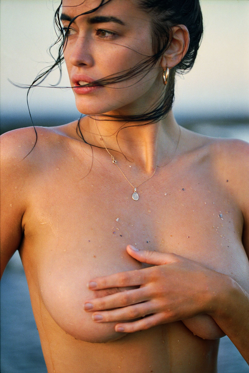 sarah-stephens-seaside-erotic-photo-by-cameron-mackie-28