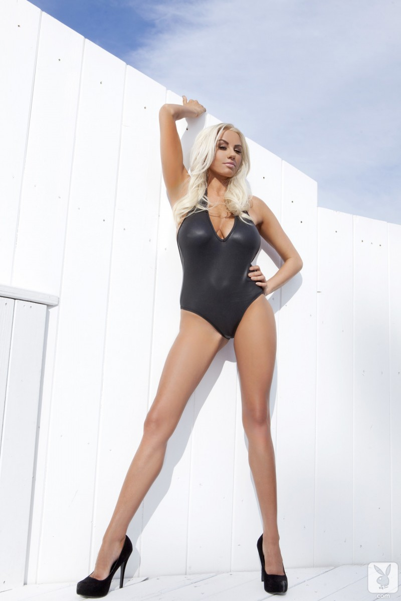 sarah-summers-one-piece-bikini-playboy-01