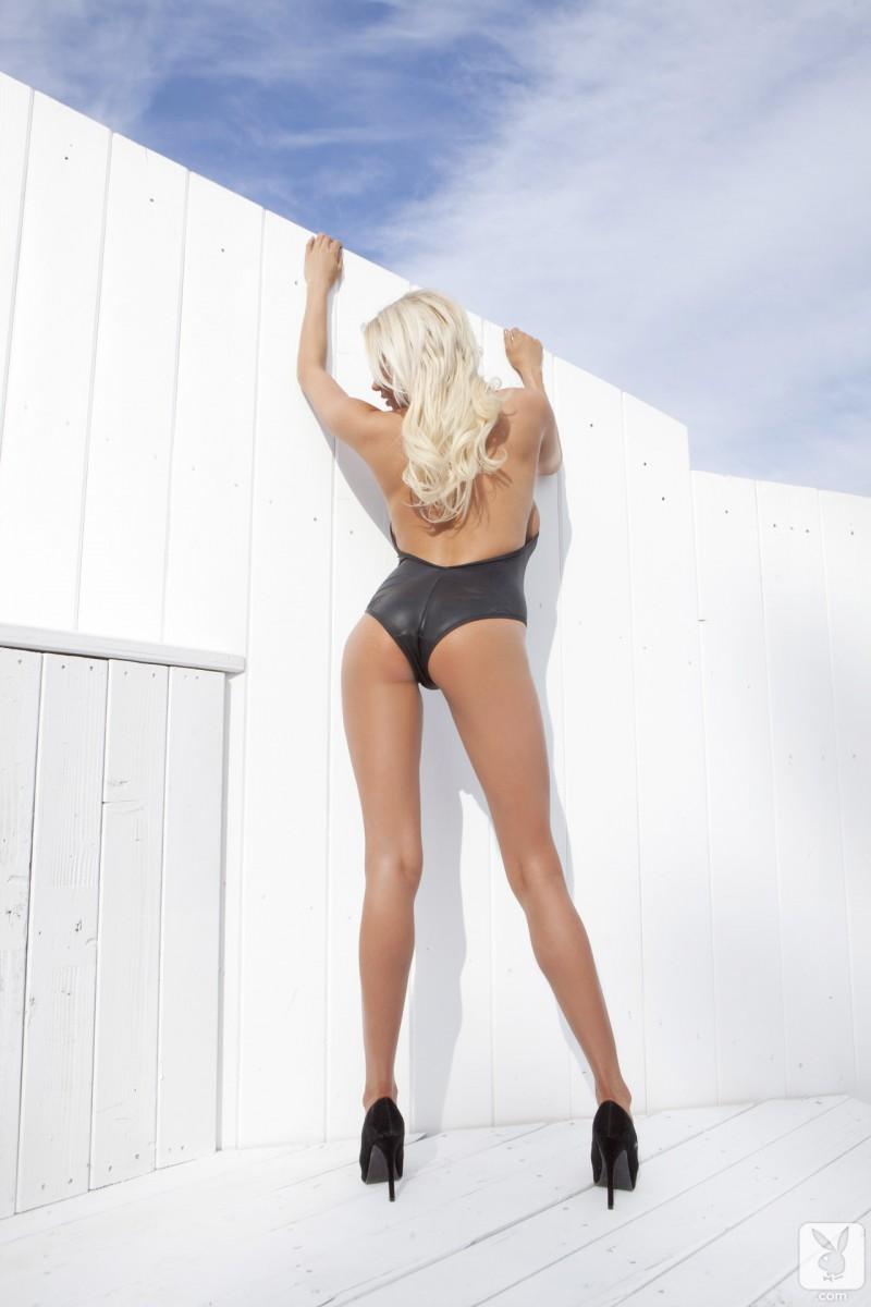 sarah-summers-one-piece-bikini-playboy-03
