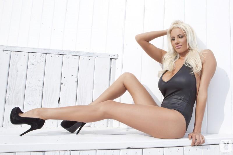 sarah-summers-one-piece-bikini-playboy-06