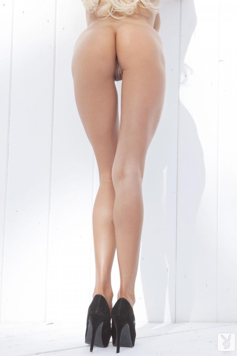 sarah-summers-one-piece-bikini-playboy-14