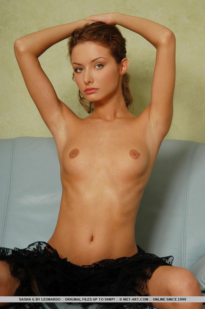 sasha-g-armchair-naked-metart-04