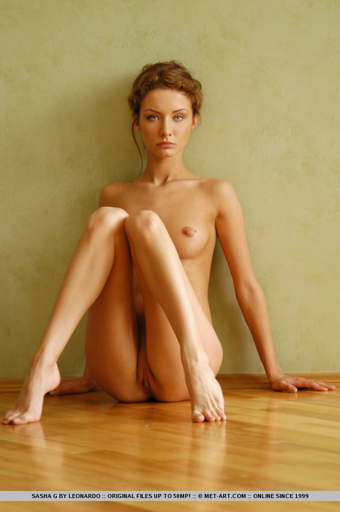 sasha-g-armchair-naked-metart-13