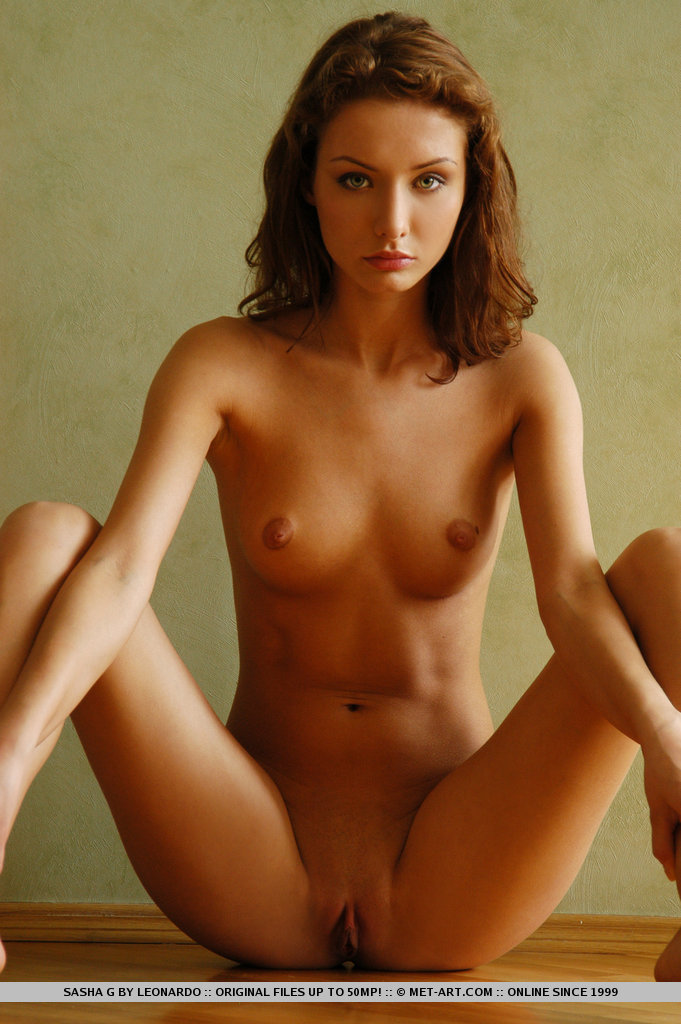 sasha-g-armchair-naked-metart-14