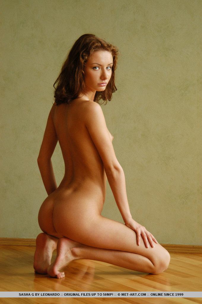 sasha-g-armchair-naked-metart-16