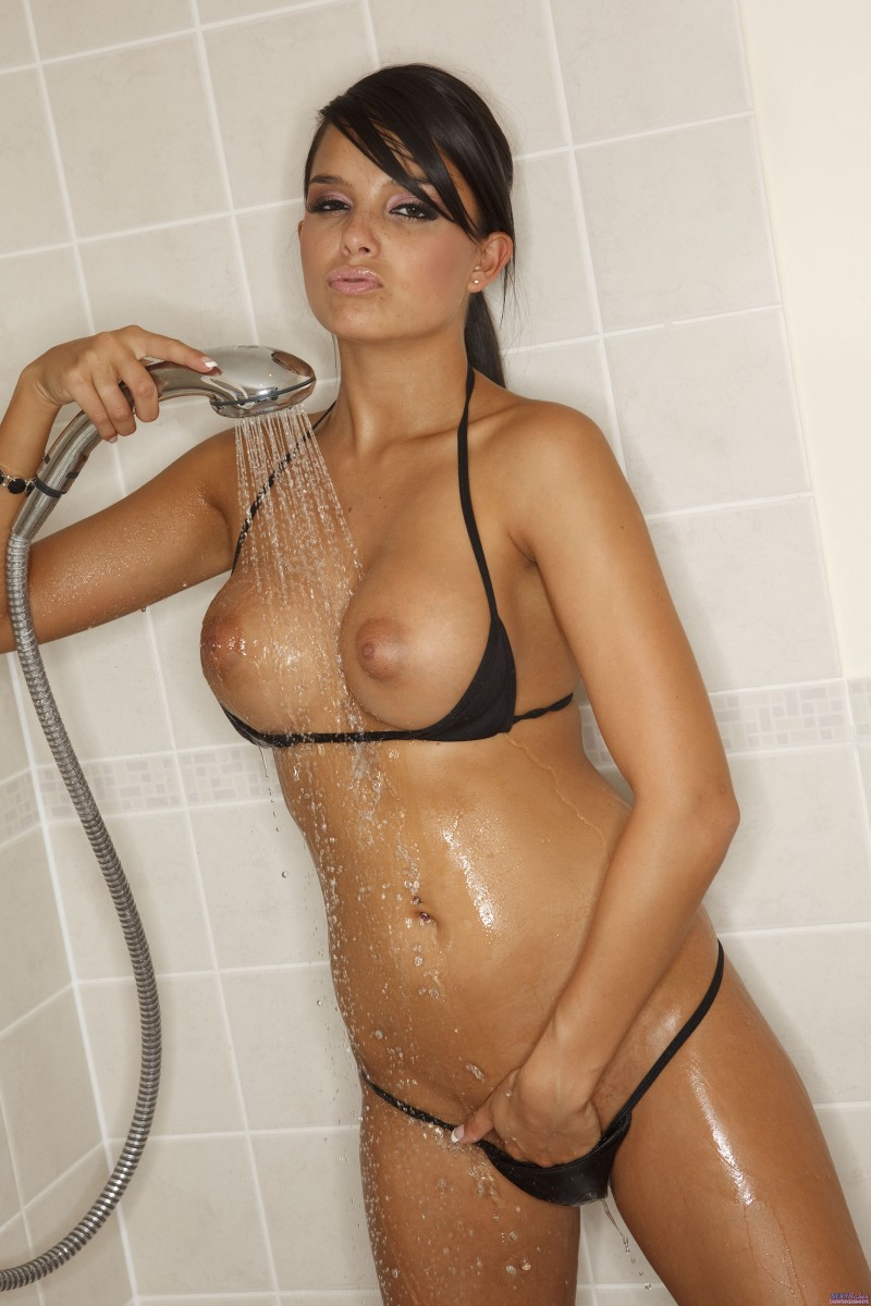 Für ein Sasha cane shower in bikini seriously hope