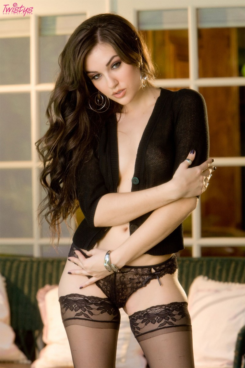 sasha-grey-glass-dildo-twistys-04
