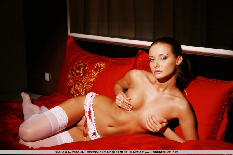sasha-g-white-stockings-met-art-15