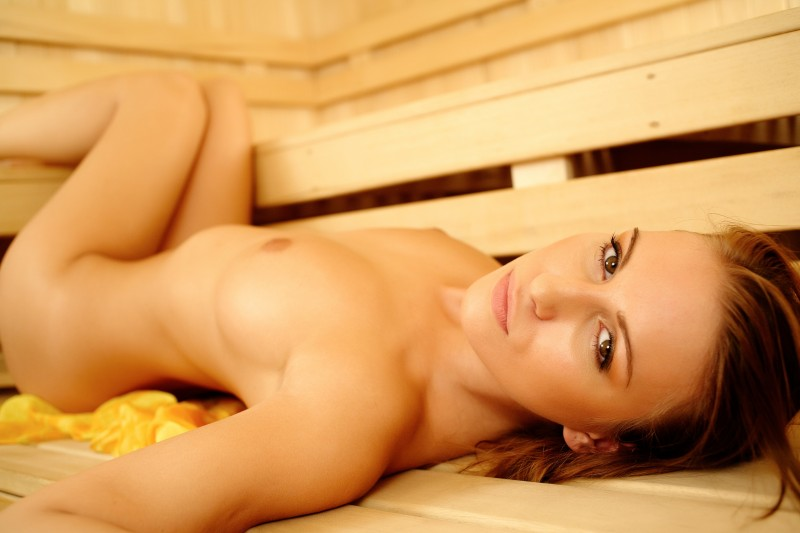 girls-nude-in-sauna-35
