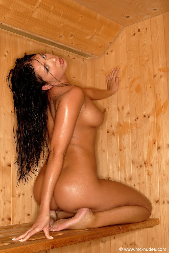 girls-nude-in-sauna-37