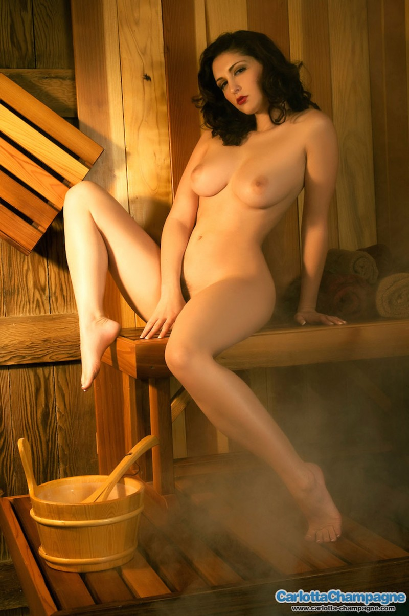 girls-nude-in-sauna-47