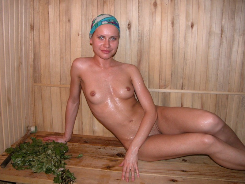 girls-nude-in-sauna-51