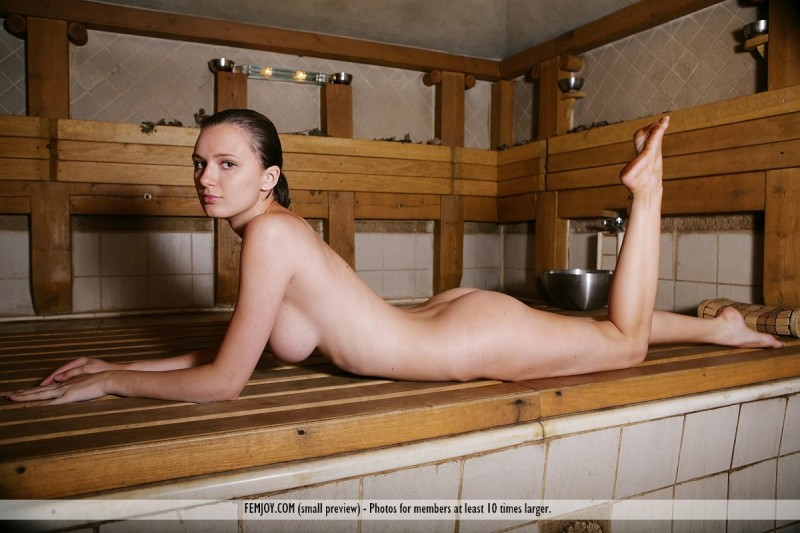 girls-nude-in-sauna-54