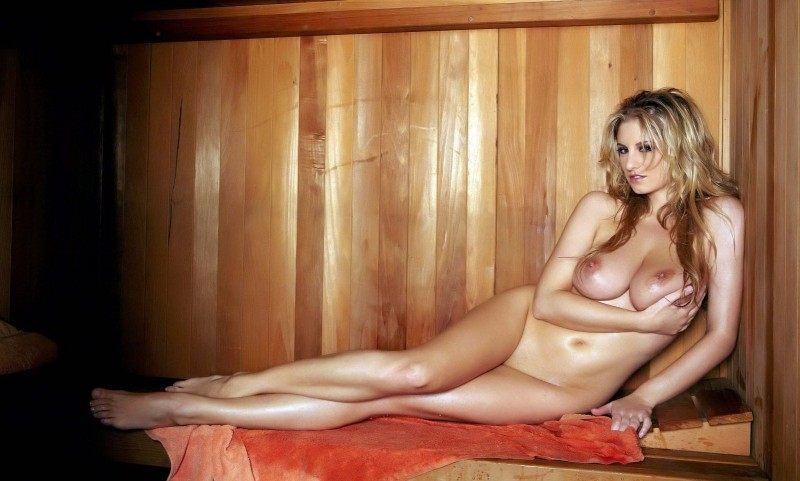 girls-nude-in-sauna-71