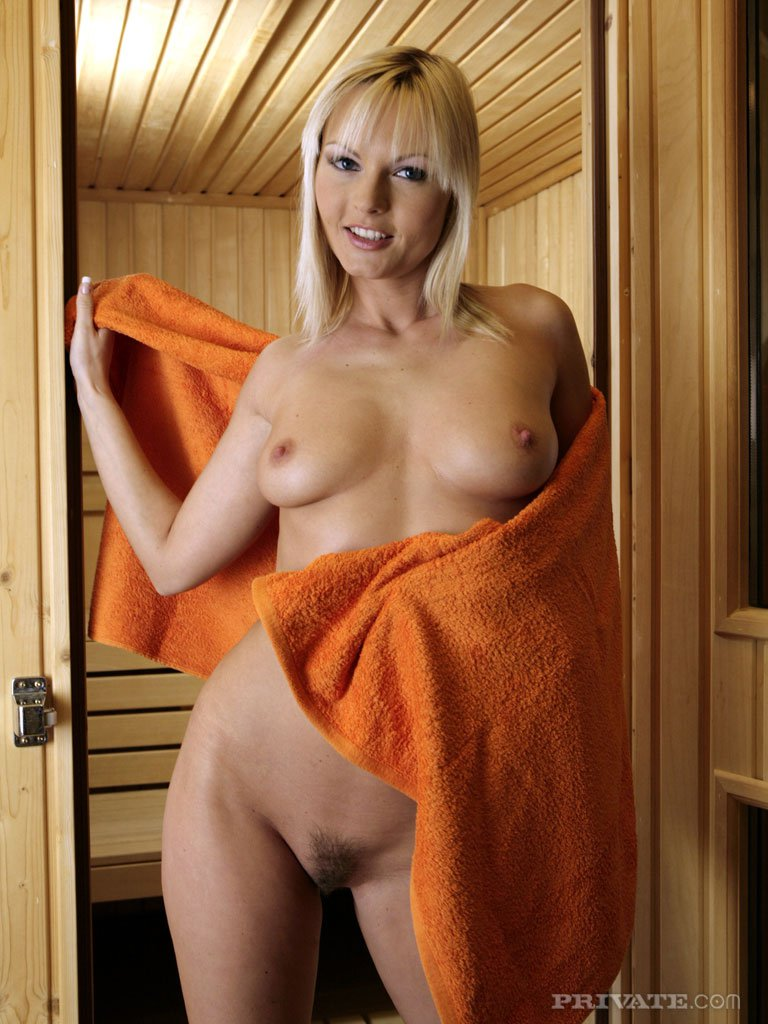 girls in spa nude