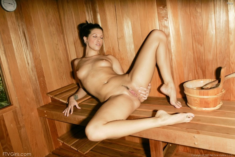girls-nude-in-sauna-88