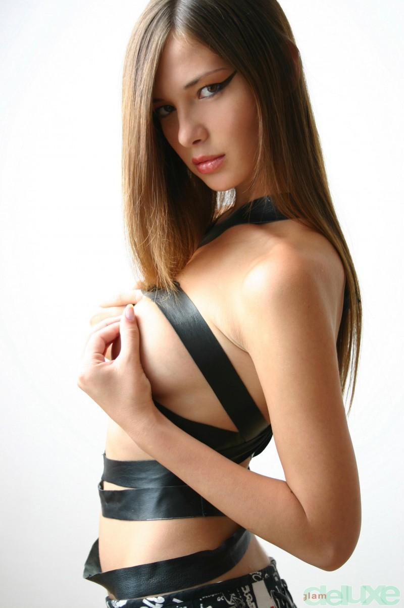 jessica-black-straps-glamdelux-01