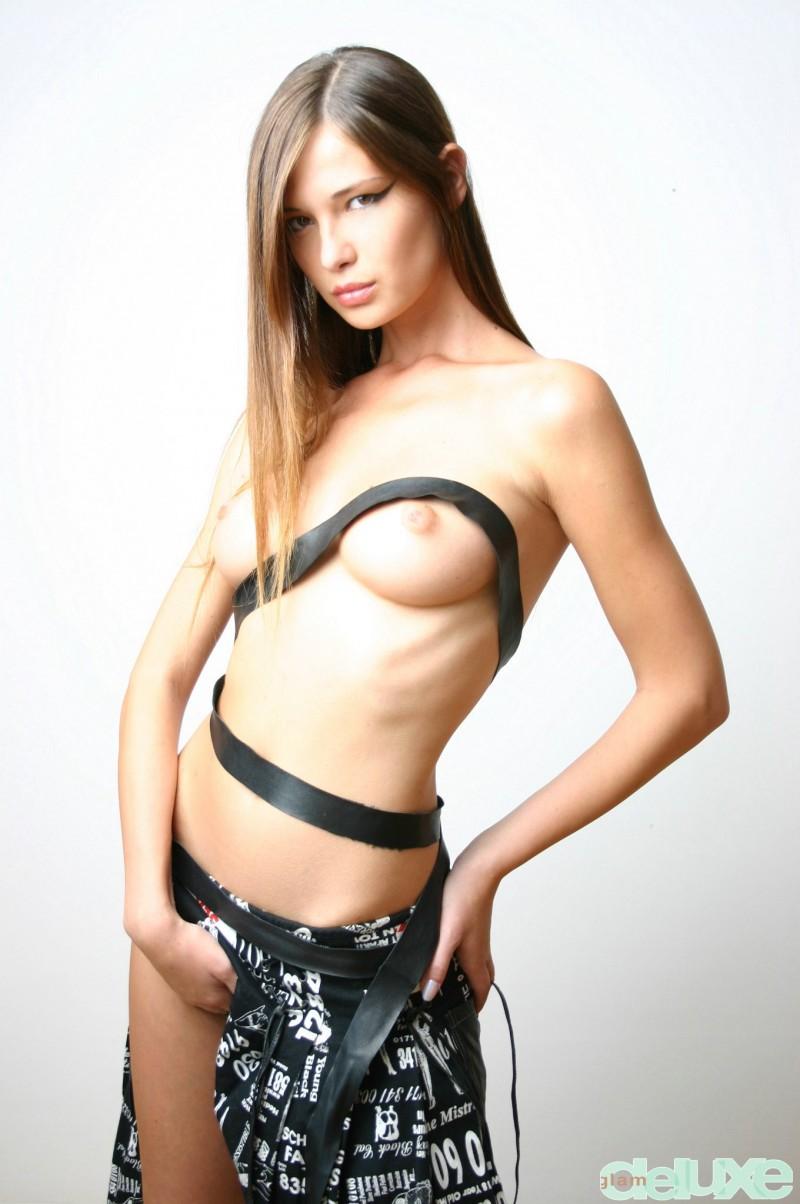 jessica-black-straps-glamdelux-06