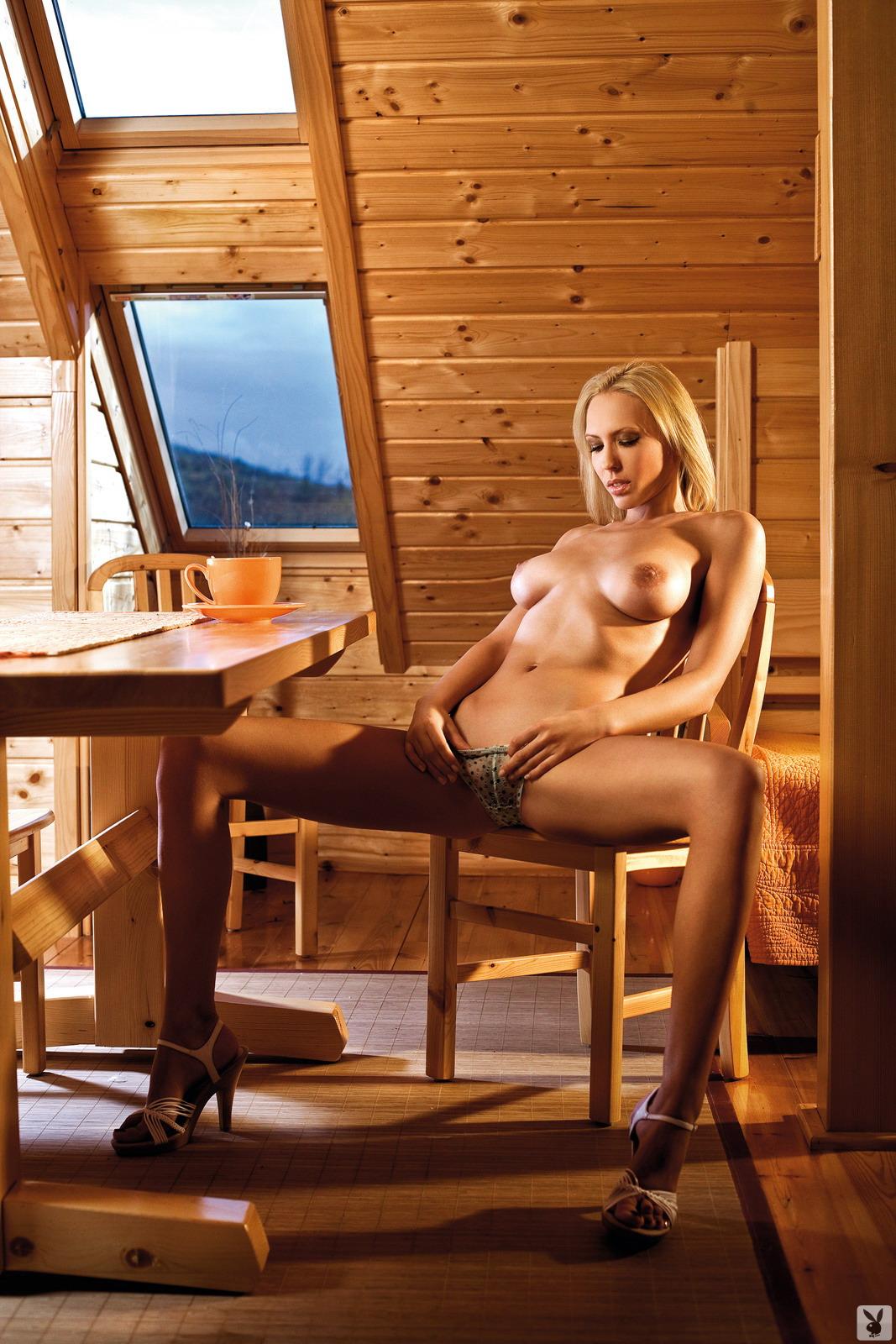 naked-serbian-girl